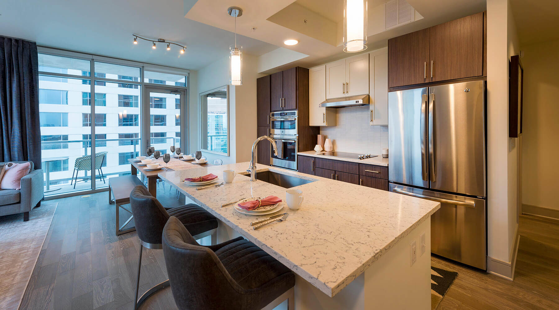 Upgraded Houston Apartment Kitchen With Marble Countertop
